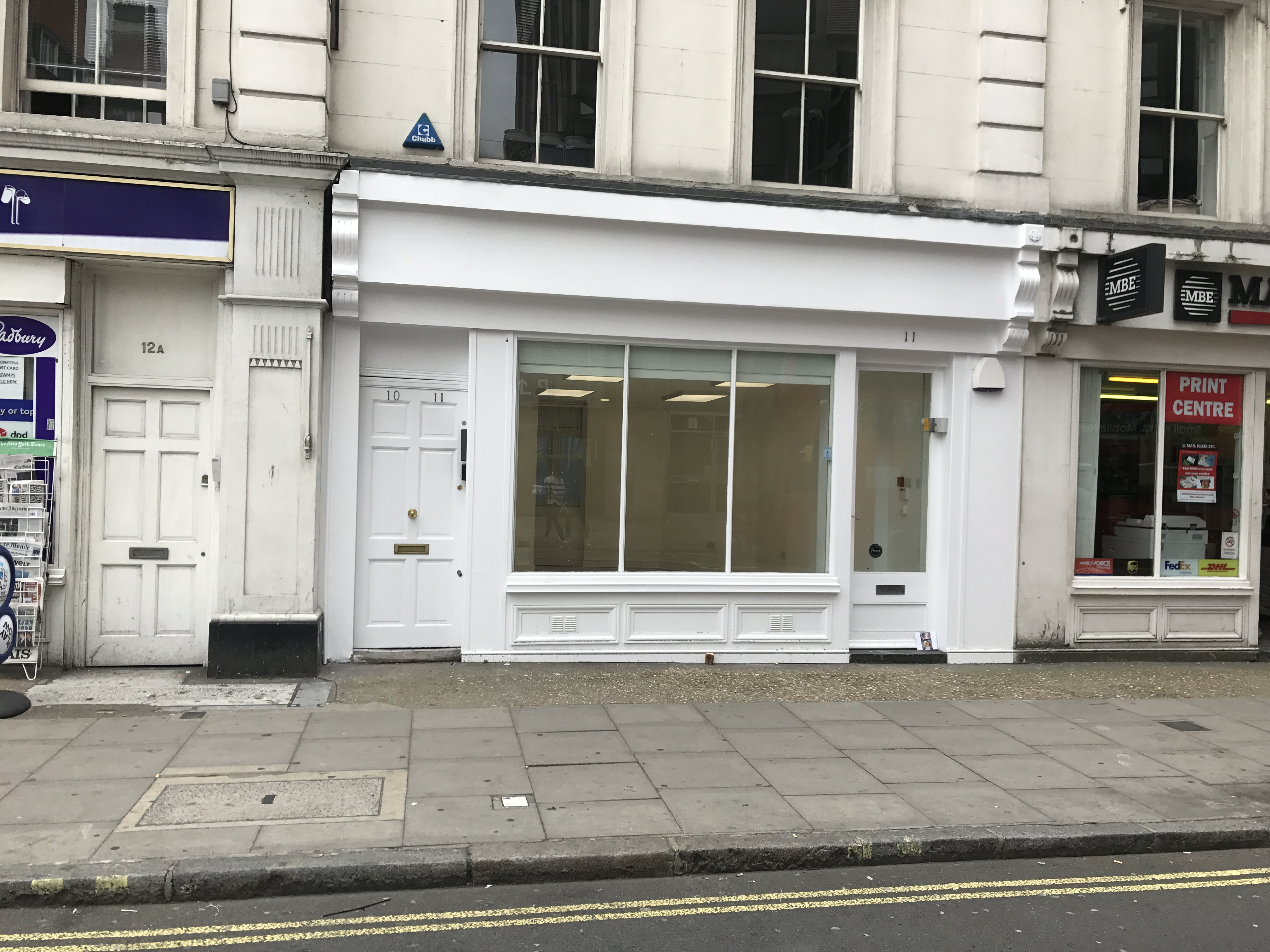 **LET LET LET**11 GREAT RUSSELL STREET BLOOMSBURY WC1 SHOP TO LET