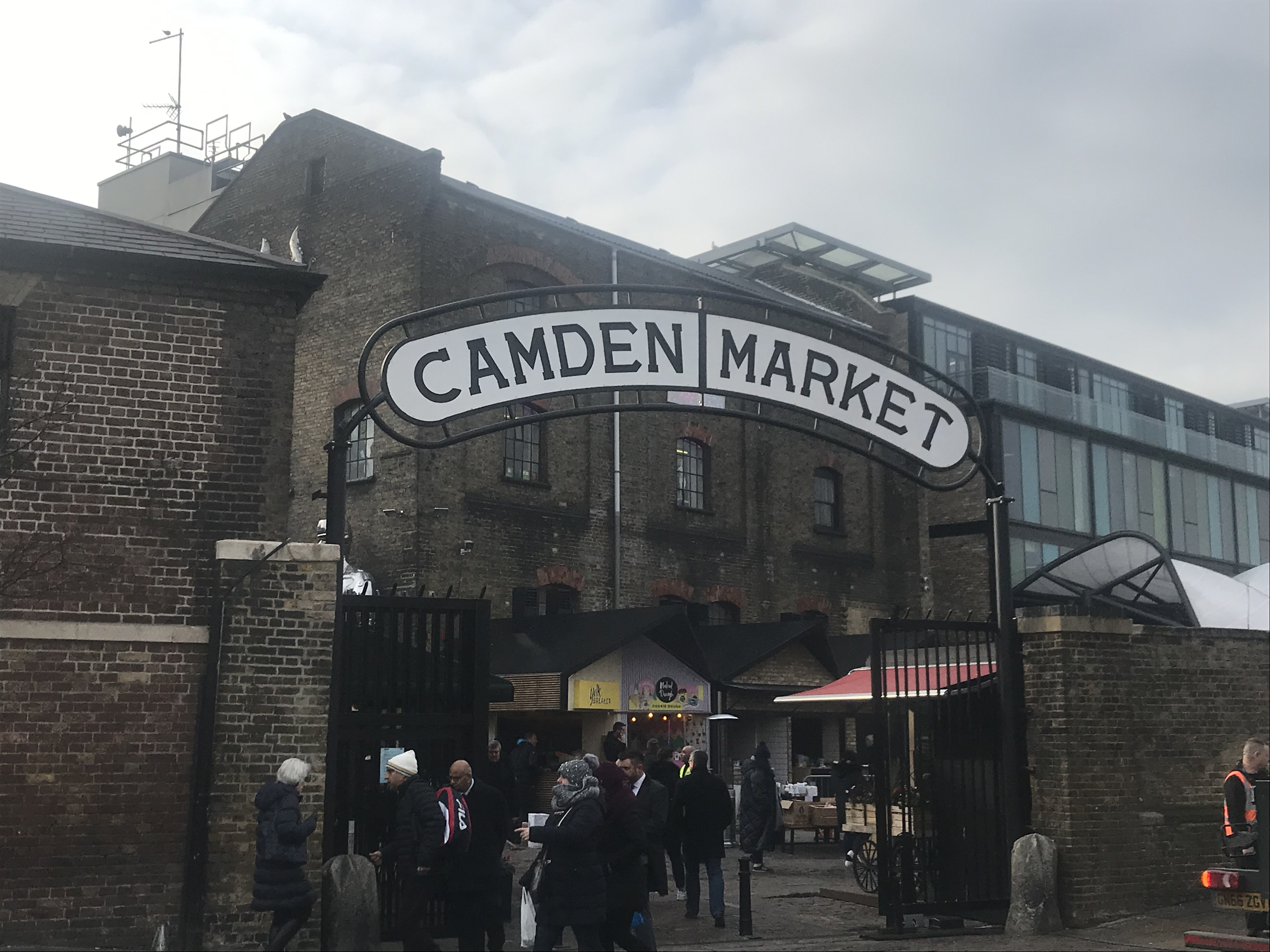 CAMDEN TOWN NW1, BARBERS SHOP FOR SALE