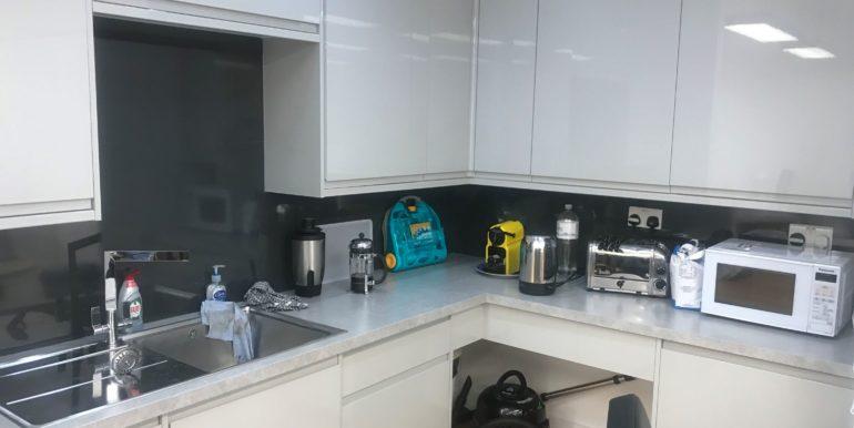 20190809_090113136_iOS kitchen